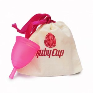Ruby_Cup_Medium_Pink_with_pouch__52947_zoom